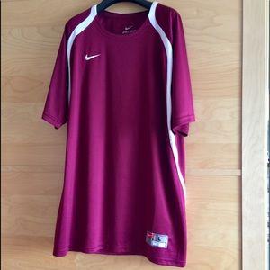 NIKE DriFit Large T-shirt Men Burgundy